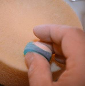шлифовка кольца из эпоксидной смолы