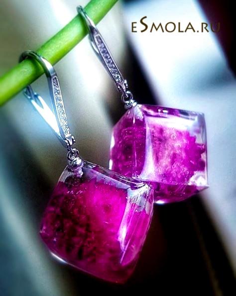 серьги-кубики из эпоксидно смолы