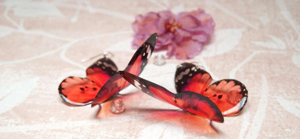 Ажурная бабочка из эпоксидной смолы